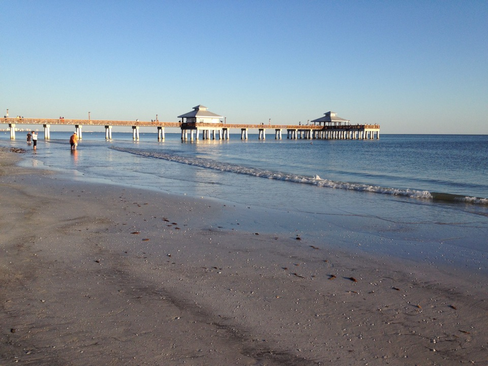 Fort myers beach fl pictures posters news and videos for Fort myers fishing pier